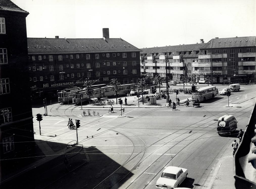 Mozarts Plads 14. juni 1962. Billedet er mærket Public Domain og er lånt fra Starbas.net