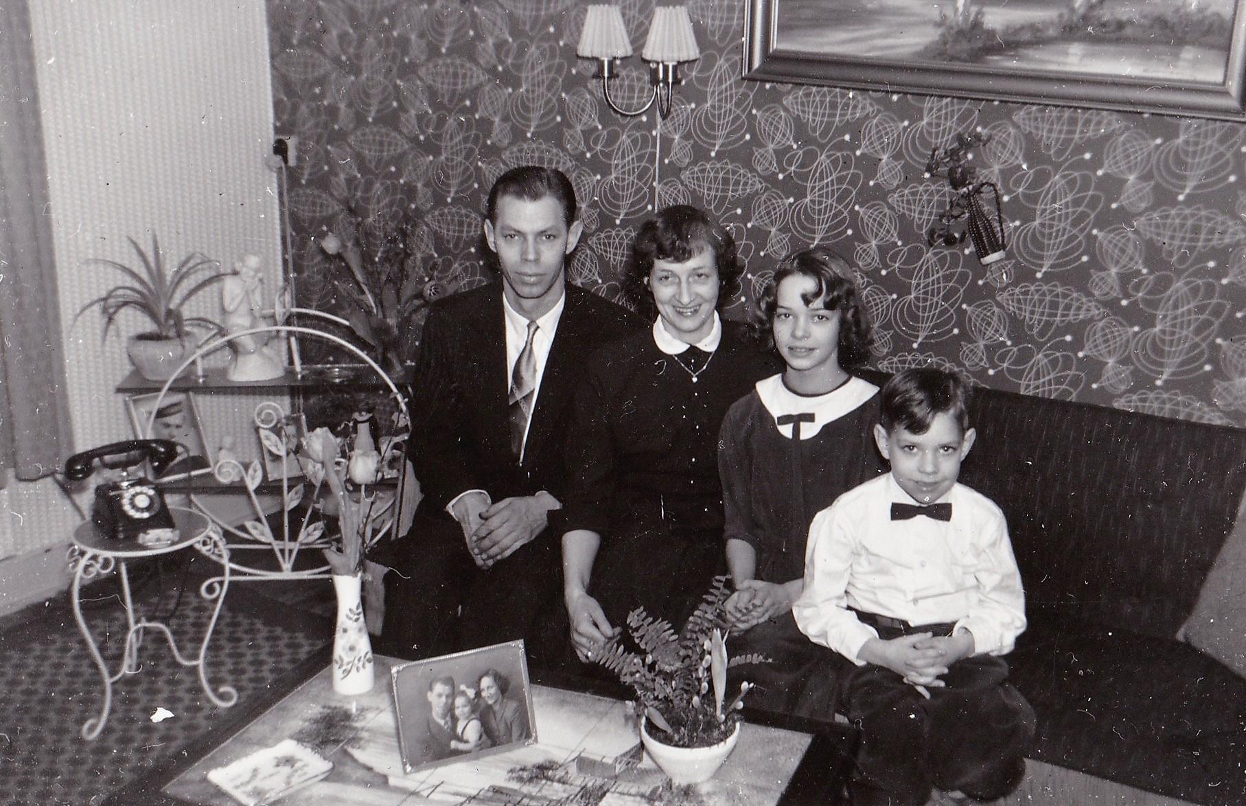 mona i stuen 1958